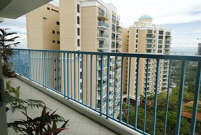 city_lights_gardens_condominium_nivel_hills_cebu_city_philippines_3_bedroom_condo_unit_with_maids_quarters_and_1_covered_parking_slot_100824806630056682